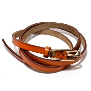 Ремень женский кожаный узкий с золотистой пряжкой средне-коричневый
