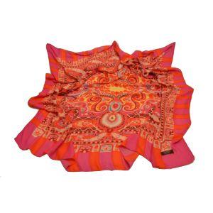 Красивый зимний платок