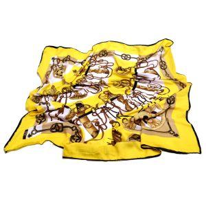 Платок желтого цвета