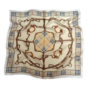 Стильный шейный платок из натурального шелка кремового цвета