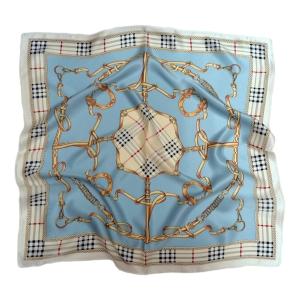 Стильный шейный платок из натурального шелка голубого цвета