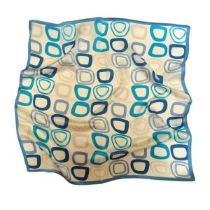 Романтичный шейный платок из натурального шелка голубого цвета