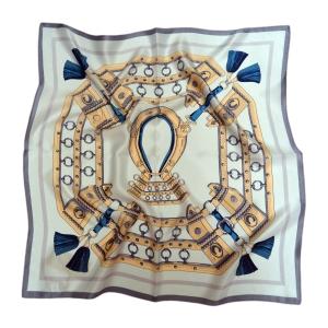 Очаровательный шейный платок из натурального шелка голубого цвета «Готика»