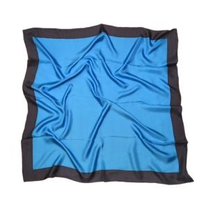 Однотонный платок из натурального шелка голубой с синей полосой