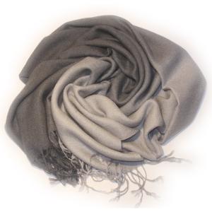 Шарф двухцветный светло-серый