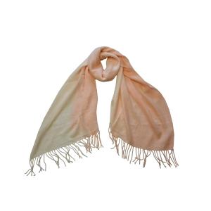 Шарф двухцветный нежно-персикового цвета