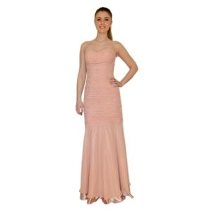 Силуэтное вечернее платье нежно-розового цвета