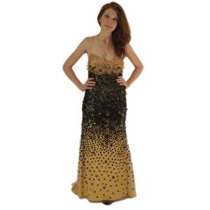 Вечернее золотистое платье вышитое бисером и пайетками с вырезом в форме сердца