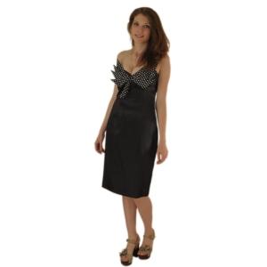 Чёрное платье с бантом в горошек