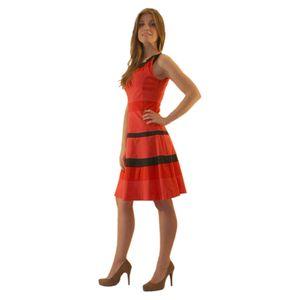 Платье без рукавов с отрезной талией